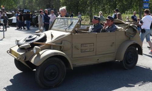 Kenraali Laguksen pojanpoika Robert Lagus ja Eversti Björkmanin  tyttärenpoika Johan Heller