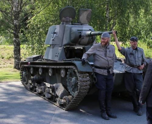 T - 26 miehistöineen