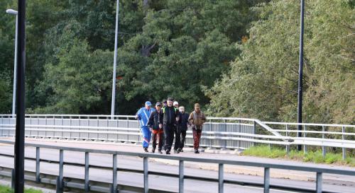 Kärki etenee Hiidensalman sillalla.